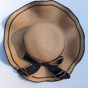 New Summer Hat With Wide Black Bow